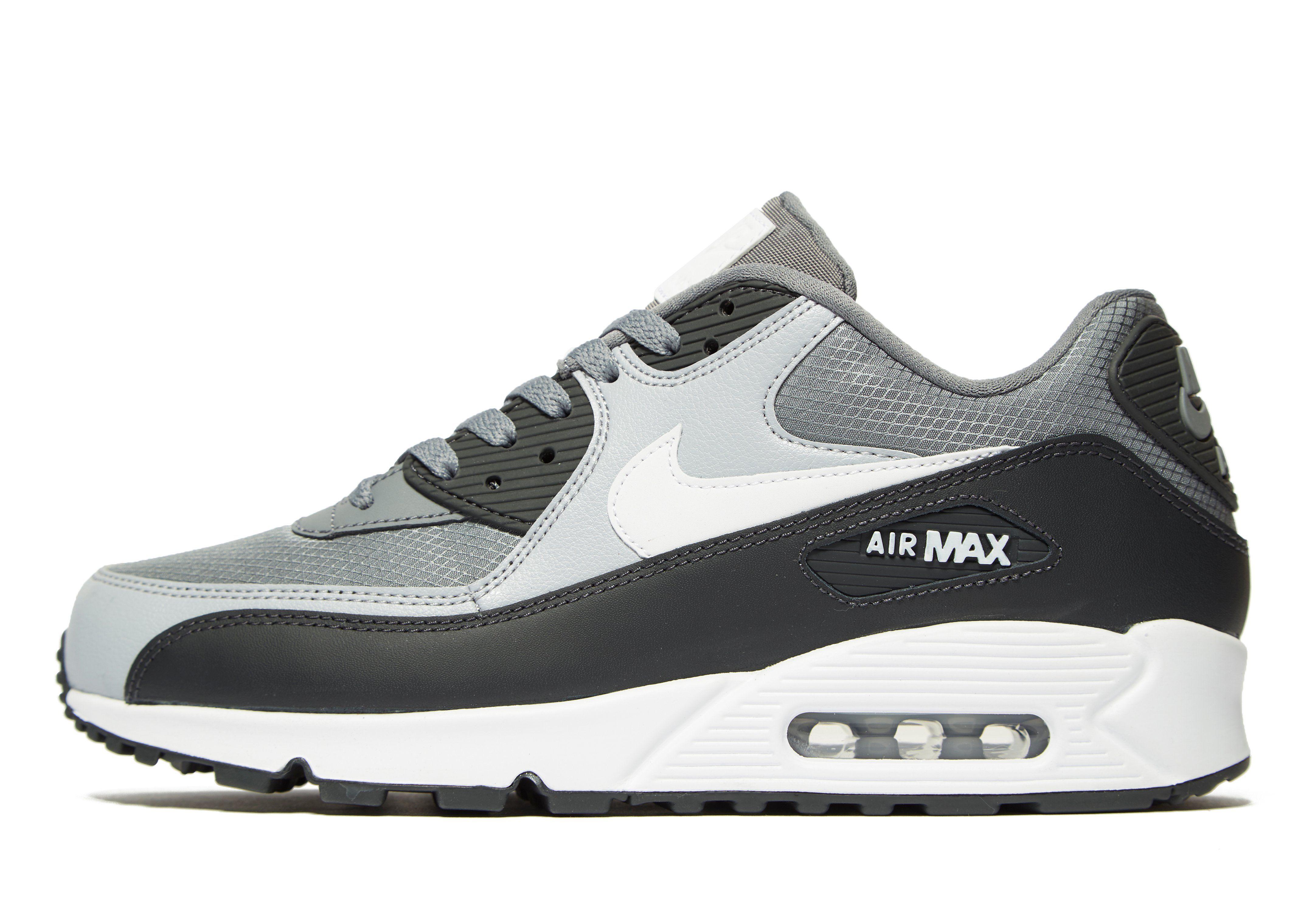 Adidasii Nike Air Max, calitate maxima