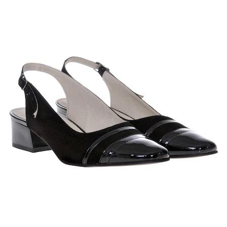 Tipuri de pantofi de damă pe care să îi ai în garderobă